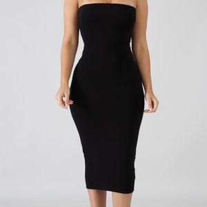 Dresses & Skirts - Black Tube Midi Dress